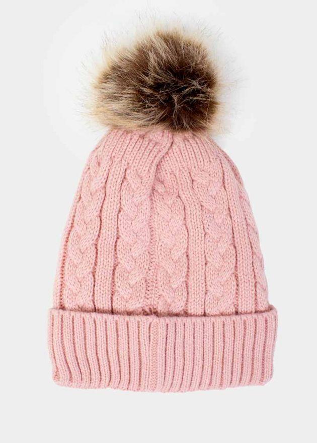 bonnet pompon torsadé rose face