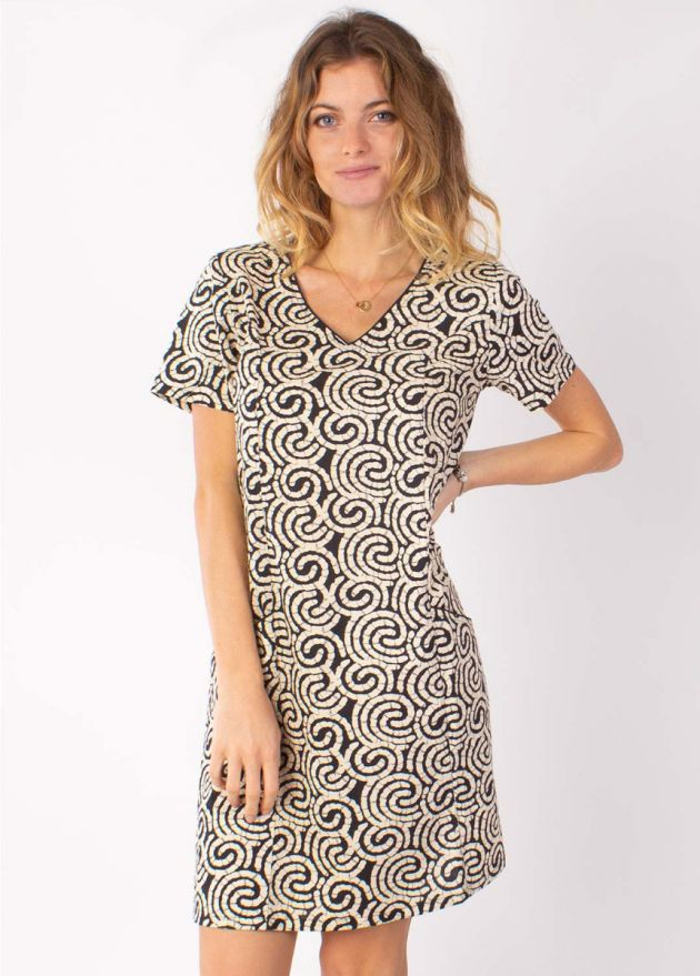 robe courte coton motif  beige noir col V zoom
