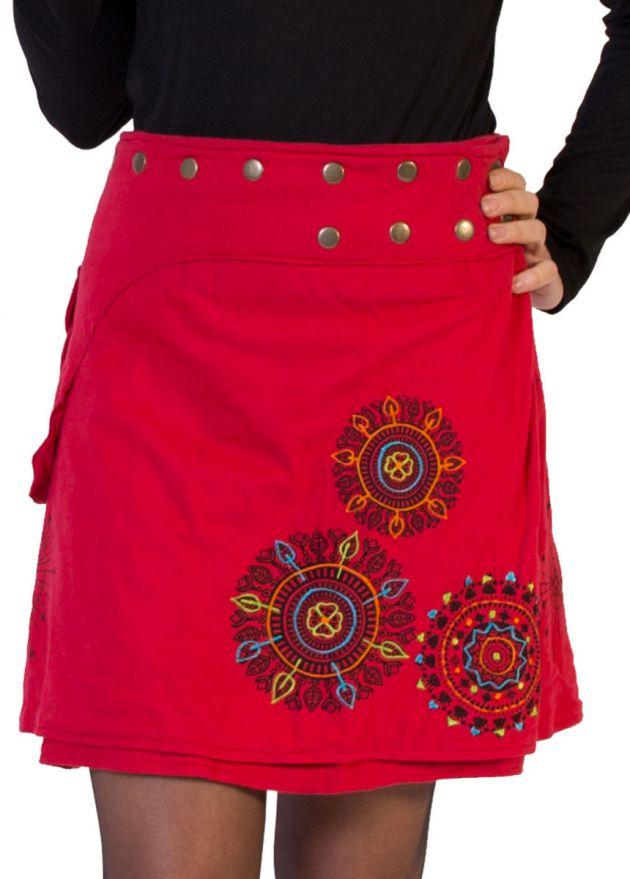 jupe courte rouge à pression imprimé mandala